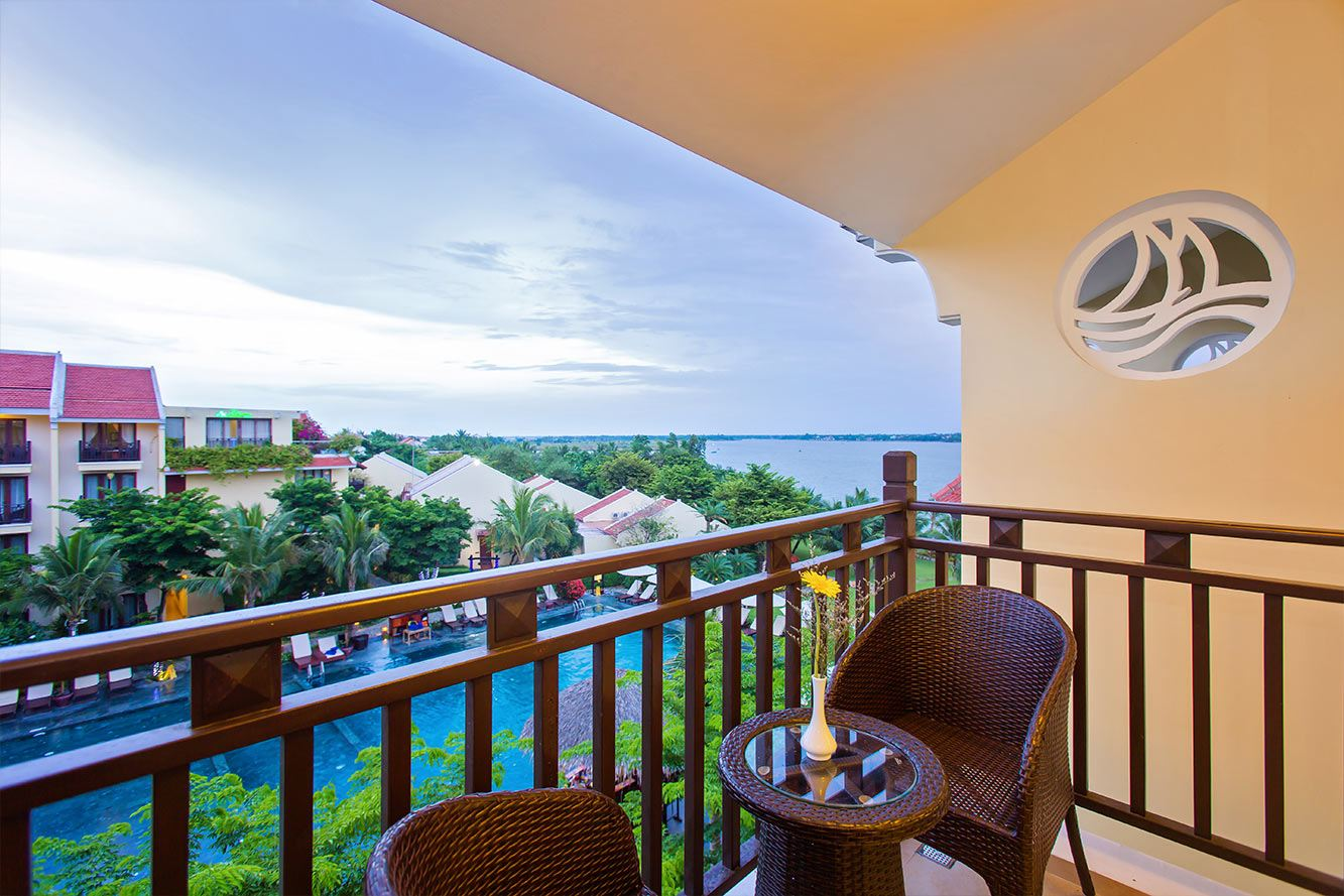 Deluxe-Pool-View-Balcony-Hoi-An-Silk-Marina-resort-and-spa-03