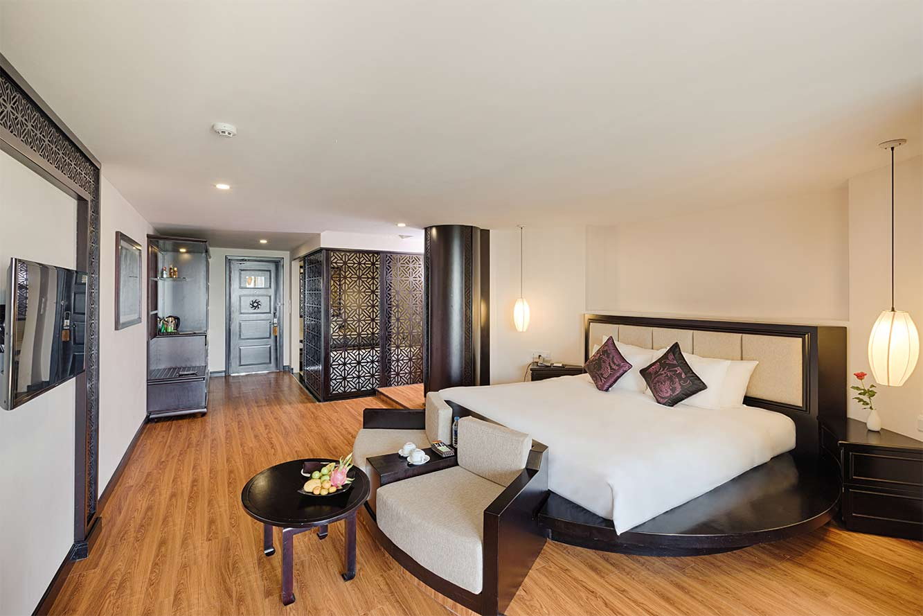 Premium-River-View-Suite-Hoi-An-Silk-Marina-resort-and-spa-03