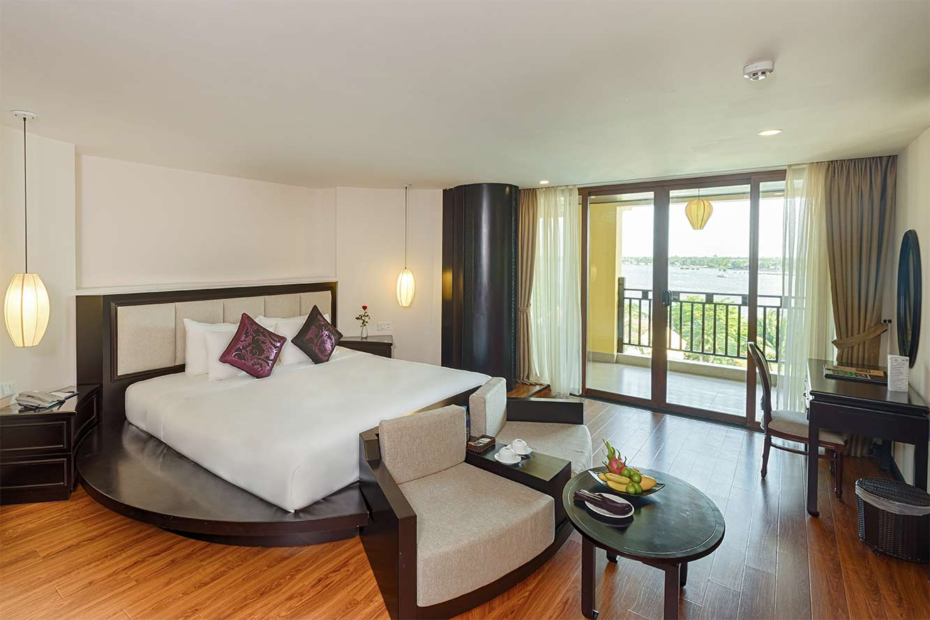 Premium-River-View-Suite-Hoi-An-Silk-Marina-resort-and-spa-04